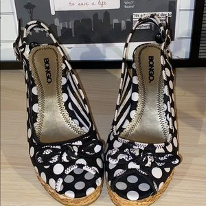 NWOT Bongo wedge shoes size 8.5